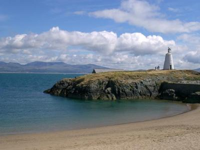 Llanddwyn Lighthouse on a sunny day!